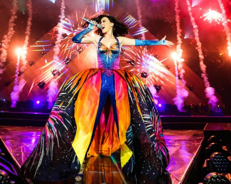 Katy Perry apresenta primeiros shows da nova turnê