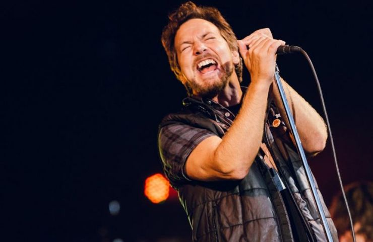 "Pearl Jam faz cover de ""Let it Go"" durante show"