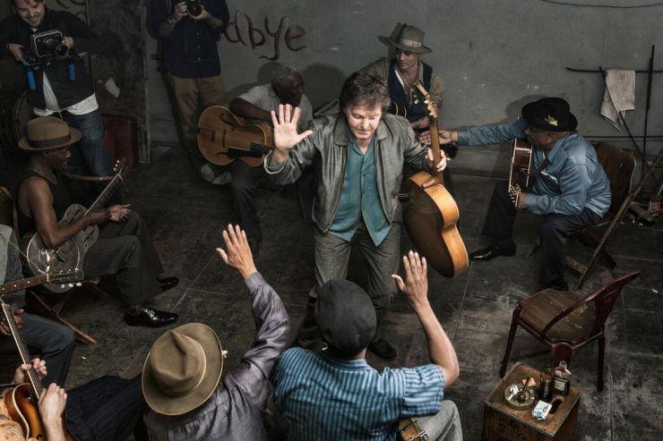Paul McCartney lança clipe com participação especial de Johnny Depp