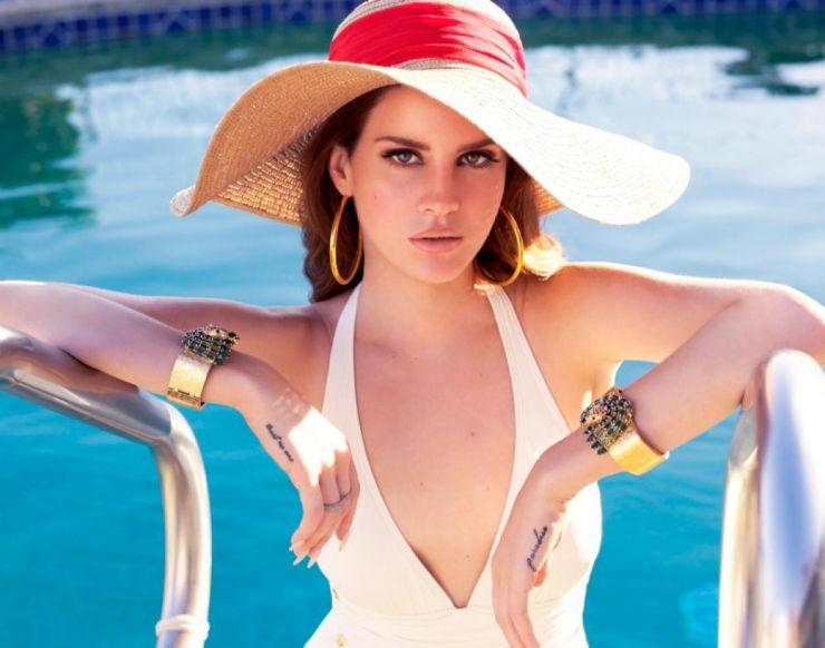 Lana Del Rey afirma que dormiu com vários caras da indústria musical