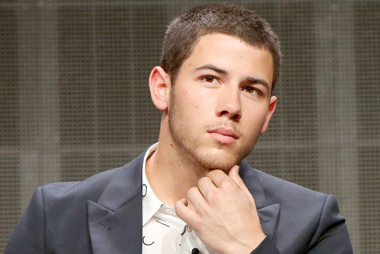 Nick Jonas assina com nova gravadora