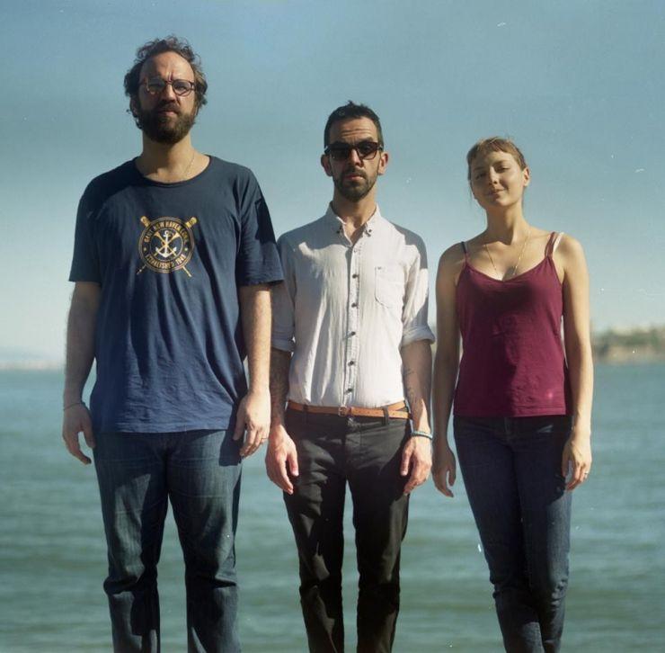 Ouça as primeiras músicas da Banda do Mar