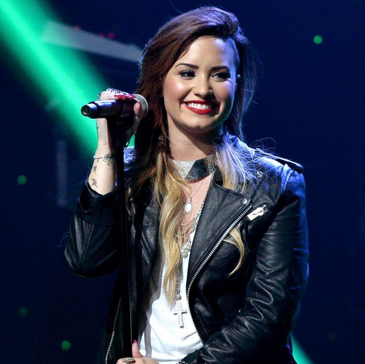 Demi Lovato completa 22 anos de idade