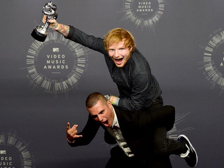 Ed Sheeran revela que escreveu músicas com David Guetta