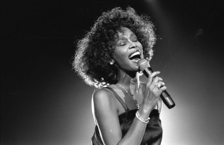 Whitney Houston terá álbum póstumo lançado em novembro