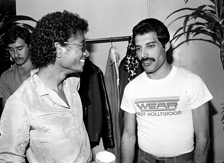 Queen vai lançar gravação inédita de Freddy Mercury e Michael Jackson. Ouça aqui
