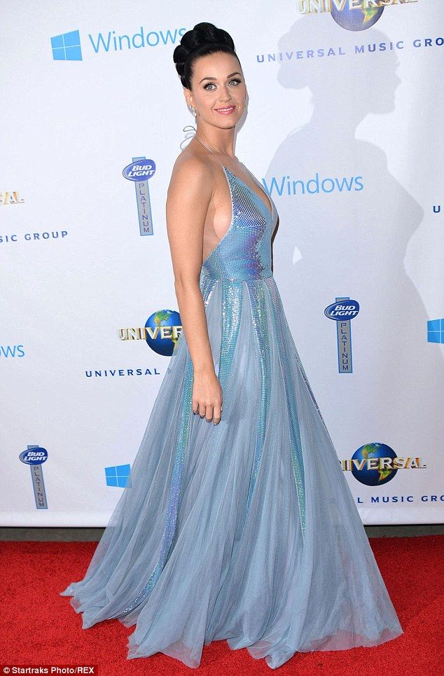 Revista aponta Katy Perry como a mais bem vestida da música
