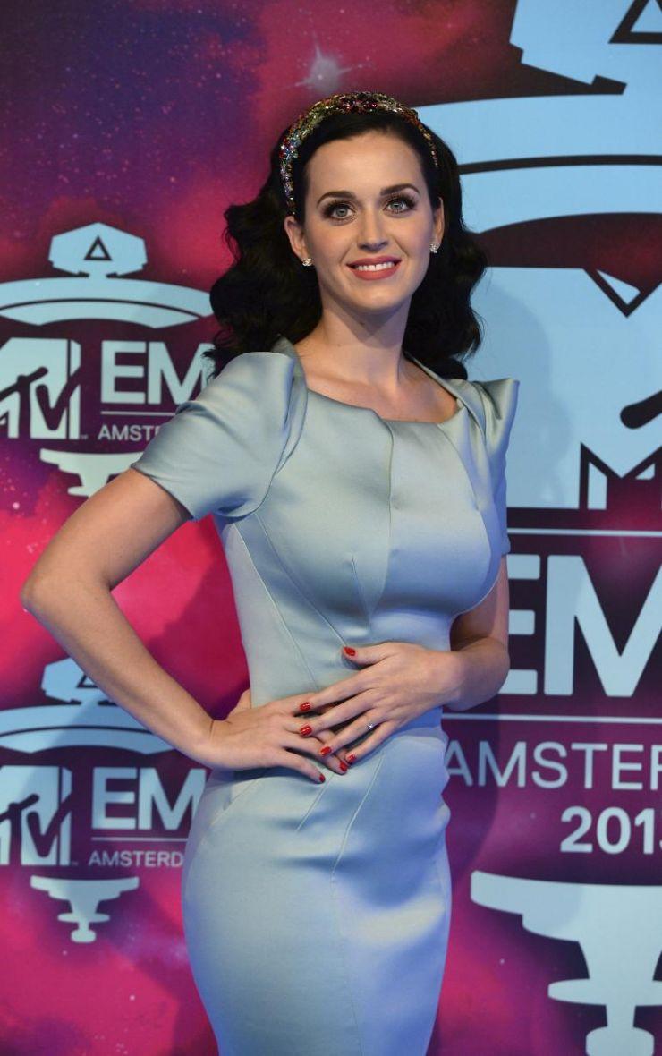 Katy Perry será atração do intervalo do próximo Super Bowl