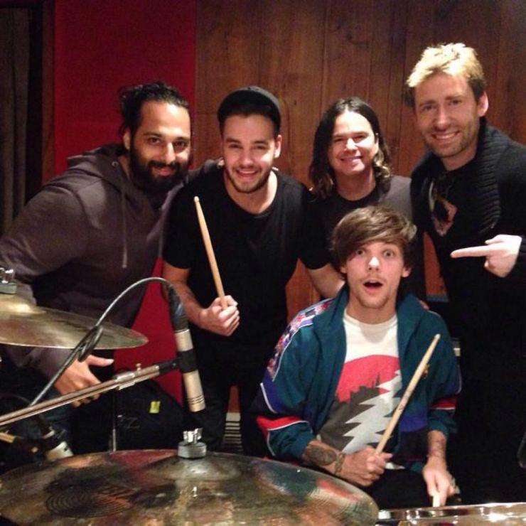 Próximo álbum do One Direction deverá ter participação de vocalista do Nickelback