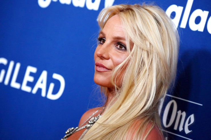 Britney Spears se interna em hospital psiquiátrico