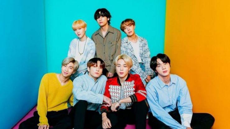 BTS lança novo disco e quebra próprio recorde