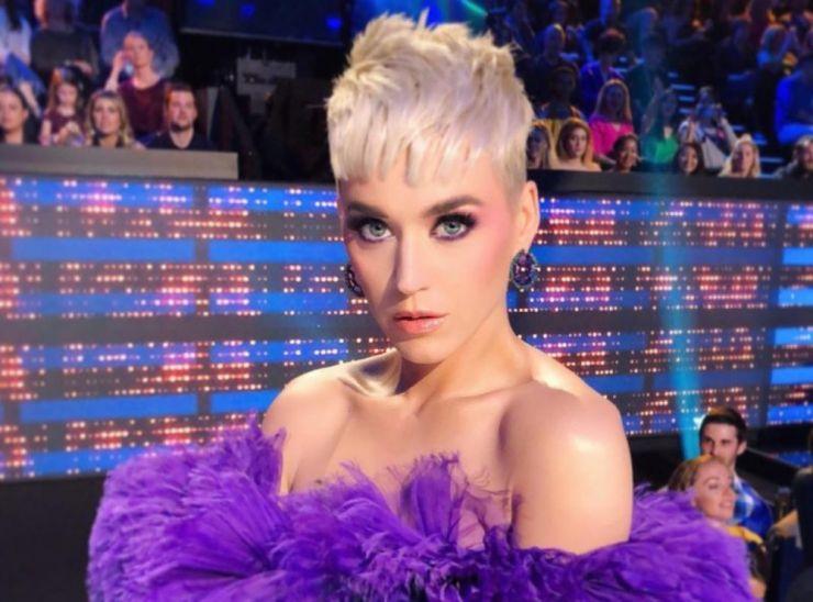 Produtor elogia novos trabalhos de Adele e Katy Perry