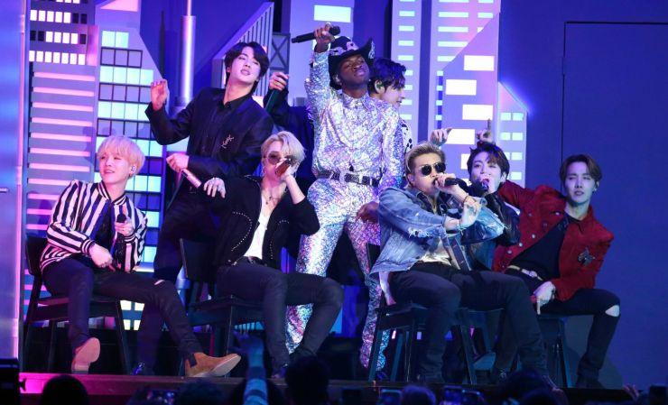 Fãs do BTS doam mais de 1 milhão de dólares a movimento antirracismo