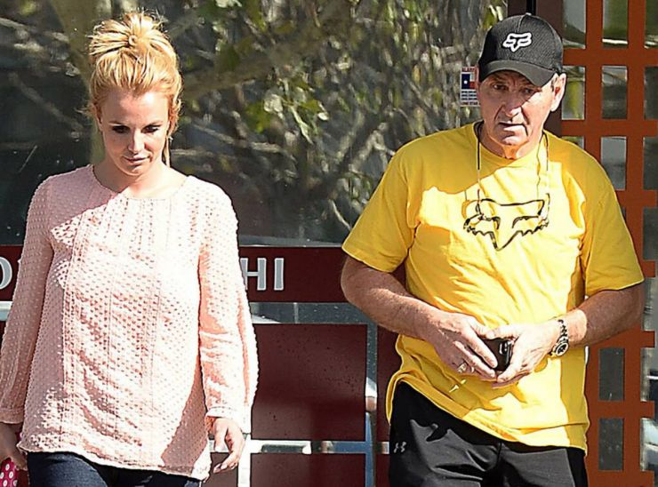 Britney entra na justiça para que pai deixe de ser seu tutor
