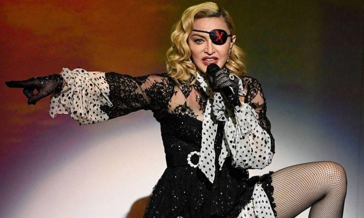 Madonna confirma que vai dirigir filme sobre sua própria vida