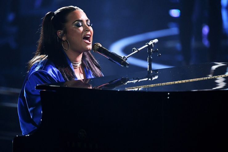 Demi Lovato é censurada durante performance no Bilboard Music Awards
