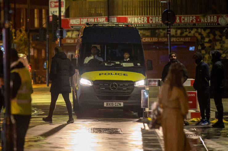 Polícia interrompe gravação de clipe de Dua Lipa