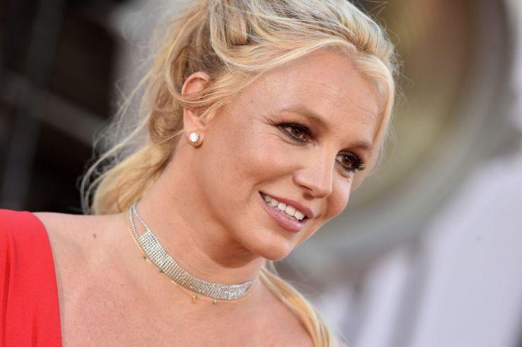 """Britney Spears publica vídeo e afirma """"estar mais feliz do que nunca"""""""