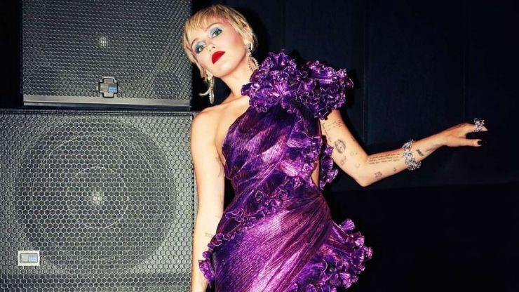 Miley Cyrus afirma estar sóbria mas ter medo de recaída