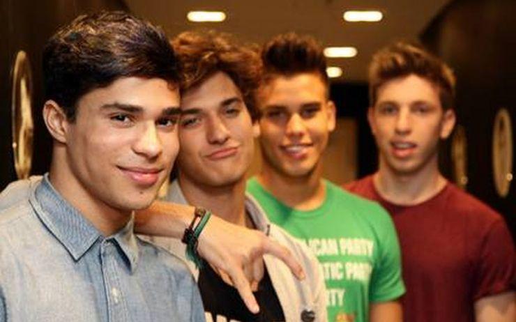 Ex-integrante de boyband brasileira foi proibido de assumir homossexualidade