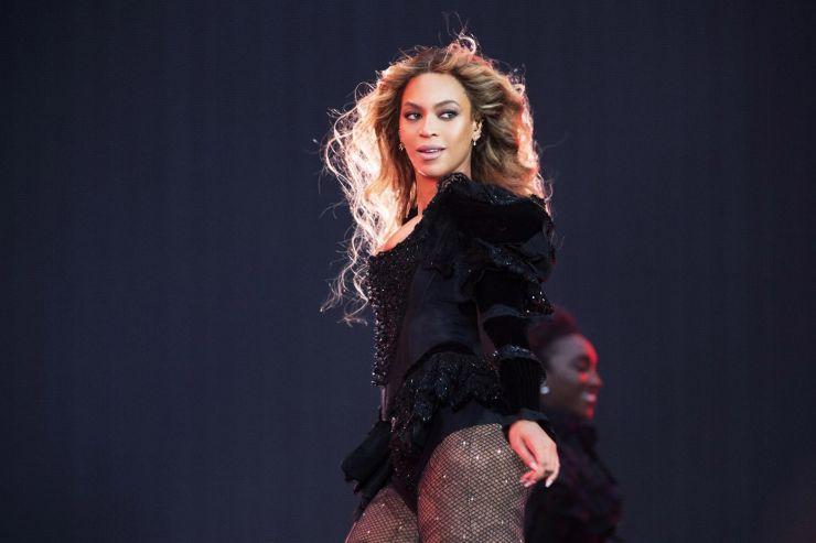 Beyoncé é eleita melhor artista de turnês da década