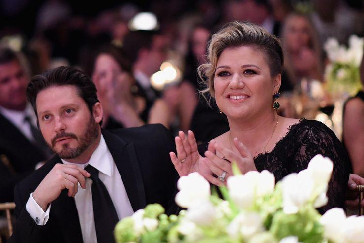 Separação de Kelly Clarkson teria sido motivada por inveja