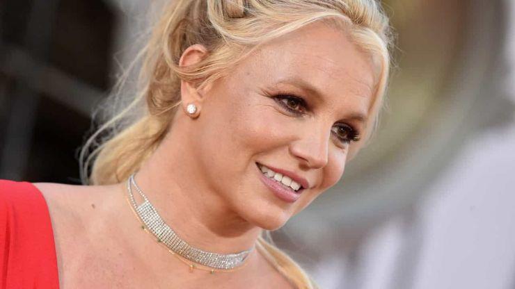 Pai de Britney Spears abre petição para acabar com tutela
