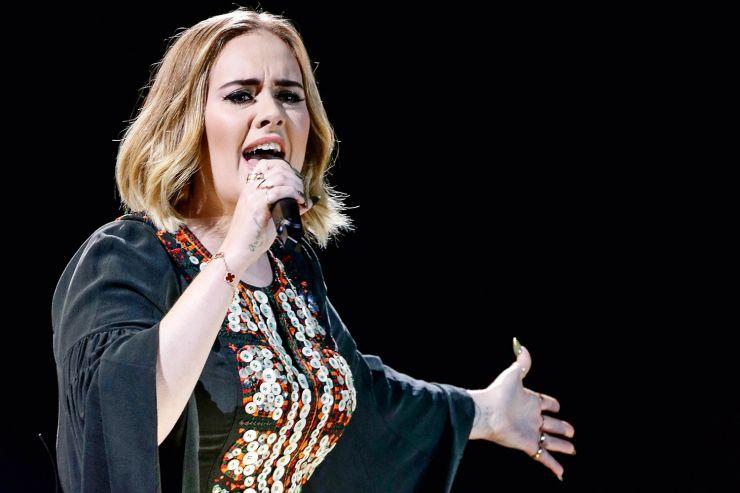 Adele anuncia novo Single e divulga trecho da música