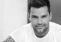 """Ricky Martin aparece dançando """"Lepo Lepo"""" em vídeo"""