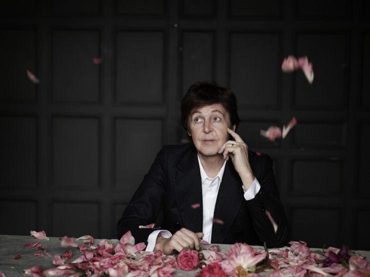 Piano no qual Paul McCartney compôs Yesterday é leiloado