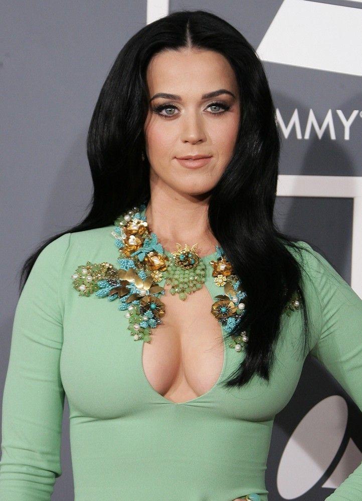 Katy Perry, Beyoncé e Shakira estarão no álbum oficial da Copa