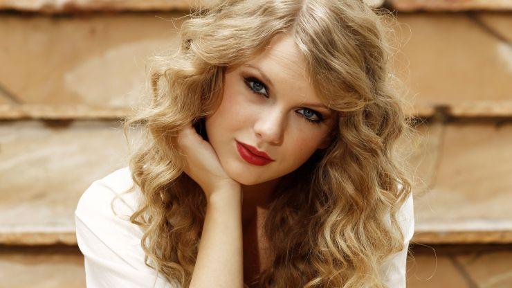 Taylor Swift faz surpresa para fã em hospital