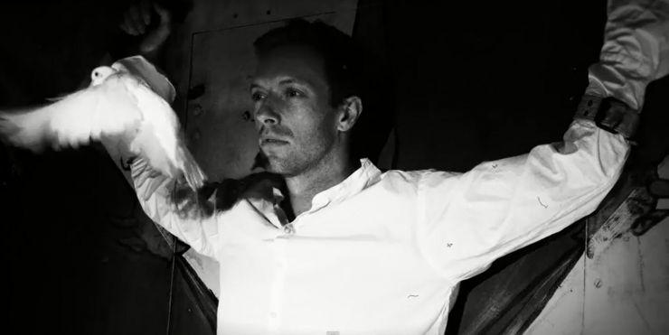 Confira o novo clipe do Coldplay