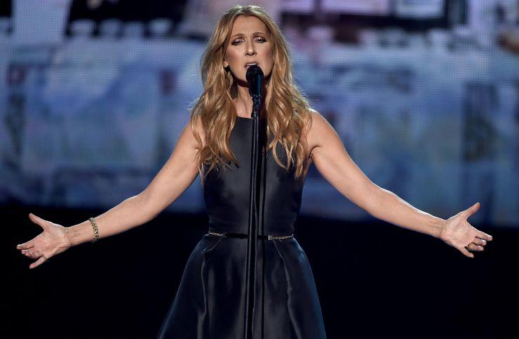 Céline Dion também retira música com R. Kelly do streaming