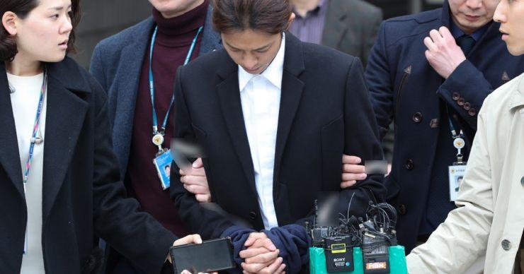 Astro de K-Pop é preso em escândalo sexual