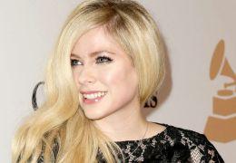 Avril Lavigne cancela lançamento de parceria com Nicki Minaj