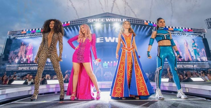 Spice Girls retornam aos palcos. Confira os vídeos
