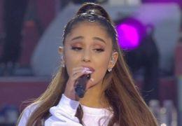 Ariana Grande chora durante show e desabafa nas redes sociais