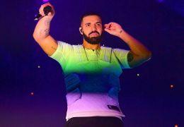 Drake é vaiado e deixa palco durante festival