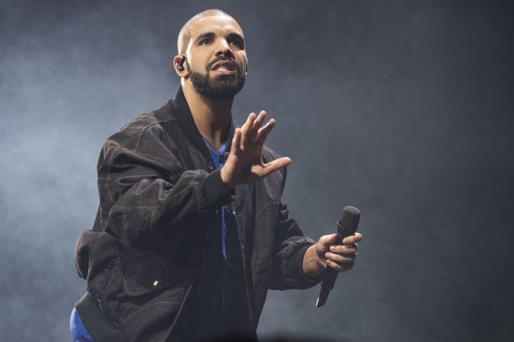 Drake é o artista mais ouvido da década no Spotify