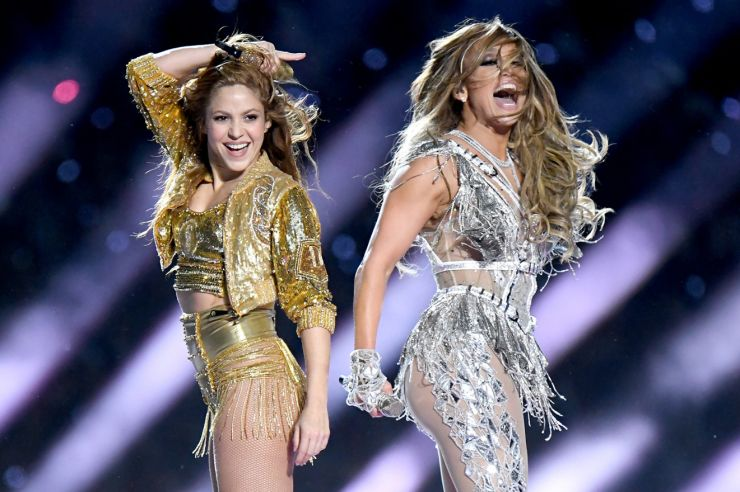 Shakira e Jennifer Lopez se apresentam no intervalo do Super Bowl