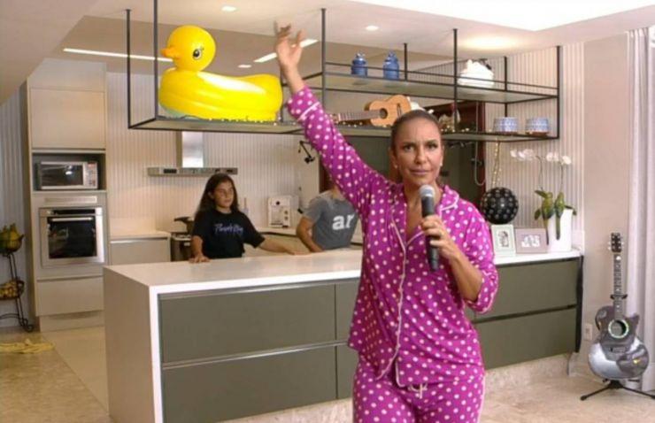 Ivete Sangalo arrecada mais de R$ 400 mil para doações durante live