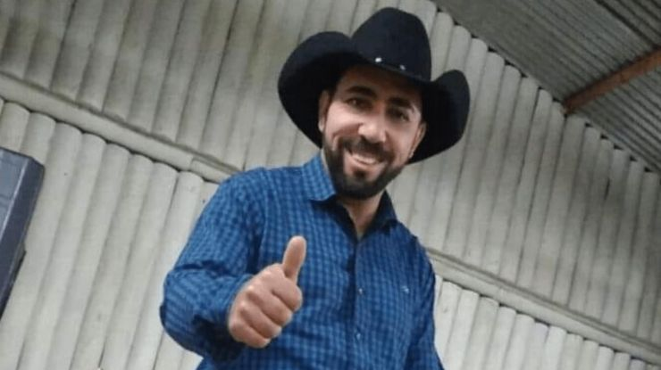 Cantor sertanejo morre logo depois de live