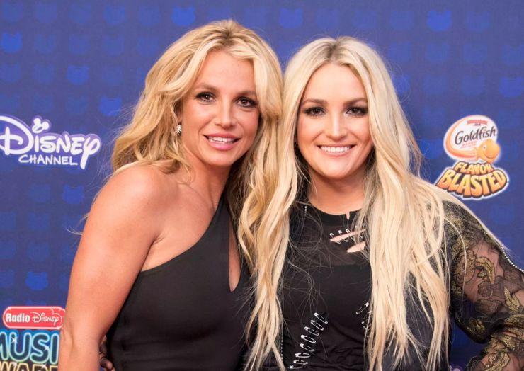 Irmã de Britney Spears nega que cantora esteja se aposentando