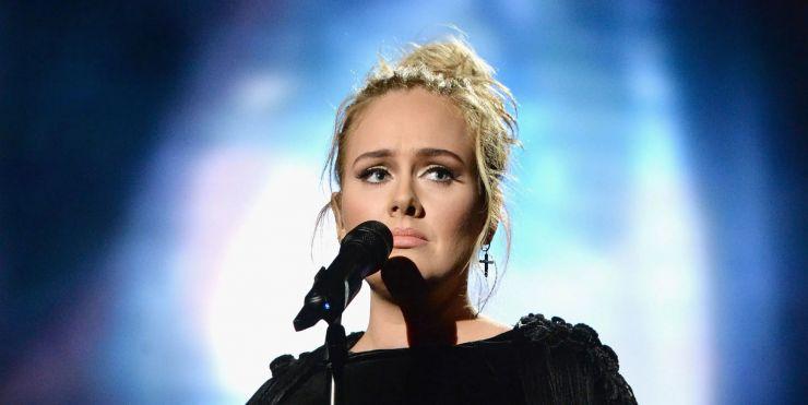 Adele deve adiar novo álbum previsto para este ano