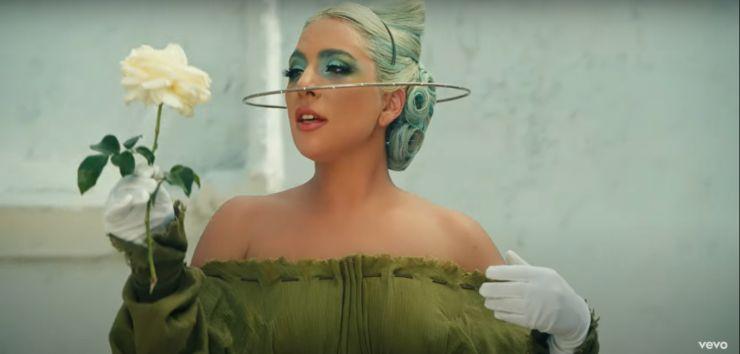 Lady Gaga lança novo clipe com história cinematográfica
