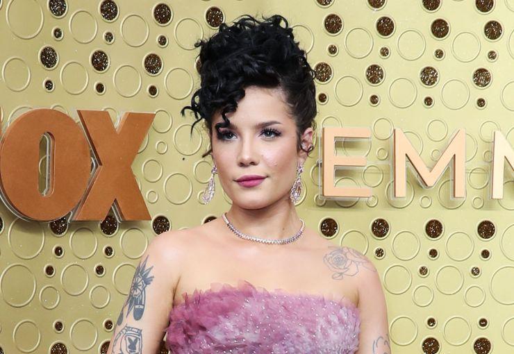 Halsey também tece criticas ao Grammy