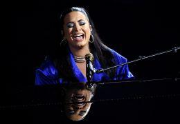 """Demi Lovato afirma que """"trabalha em algo especial"""" depois de invasão do Capitóli"""