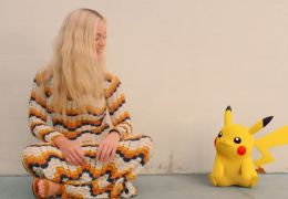 Katy Perry lança clipe celebrando a amizade com Pikachu