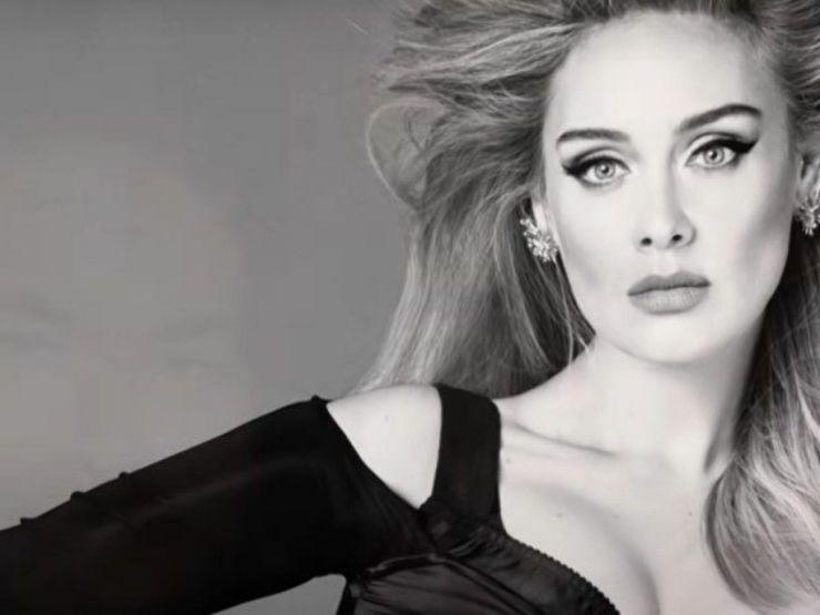 Adele confirma data de lançamento de novo algum e nome do disco